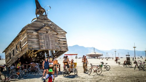 lets-travel-to-nevada-usa-burning-man-festival-with-travis-white-9