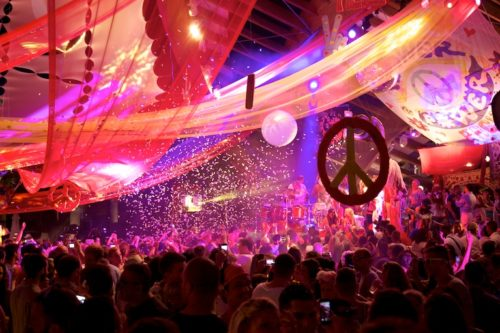 Flower-Power-at-Pacha-Destino-with-essentialIbiza-photograph-by-Nic-Click-Ibiza-2014-image01